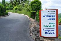 a_schildmitzufahrt_praxis_juelich